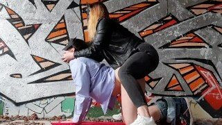 🤩 A good boy gets his ass pounded in pegging in an abandoned building